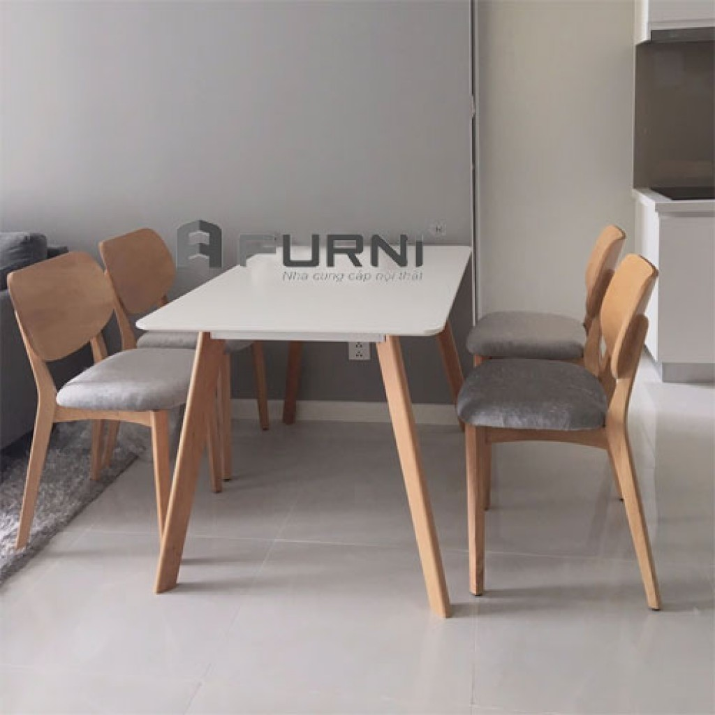 Bàn ghế ăn bằng gỗ 4 ghế